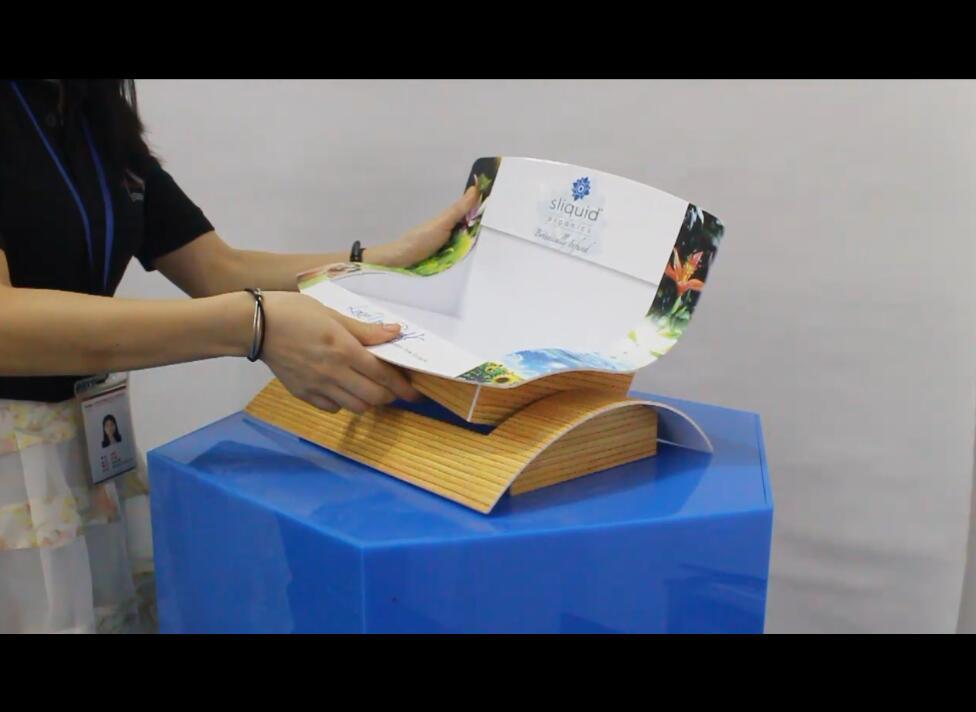 Sliquid品牌仿木制工艺亚克力按摩油展示架设计及生产工艺视频介绍